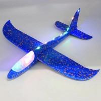 Самолет пяна светещ